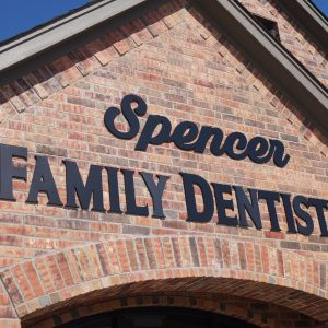 Spencer Family Dentistry Office Outside Sign